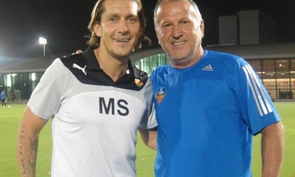 Zico visita escola de futebol mantida por Míchel Salgado