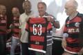 Zico recebe homenagem na Gávea