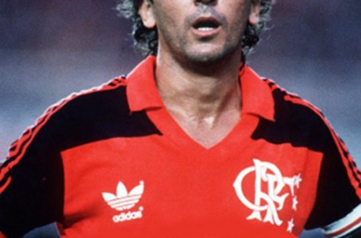 Belos gols de Zico com a camisa do Flamengo e da Seleção bde7c2338684e